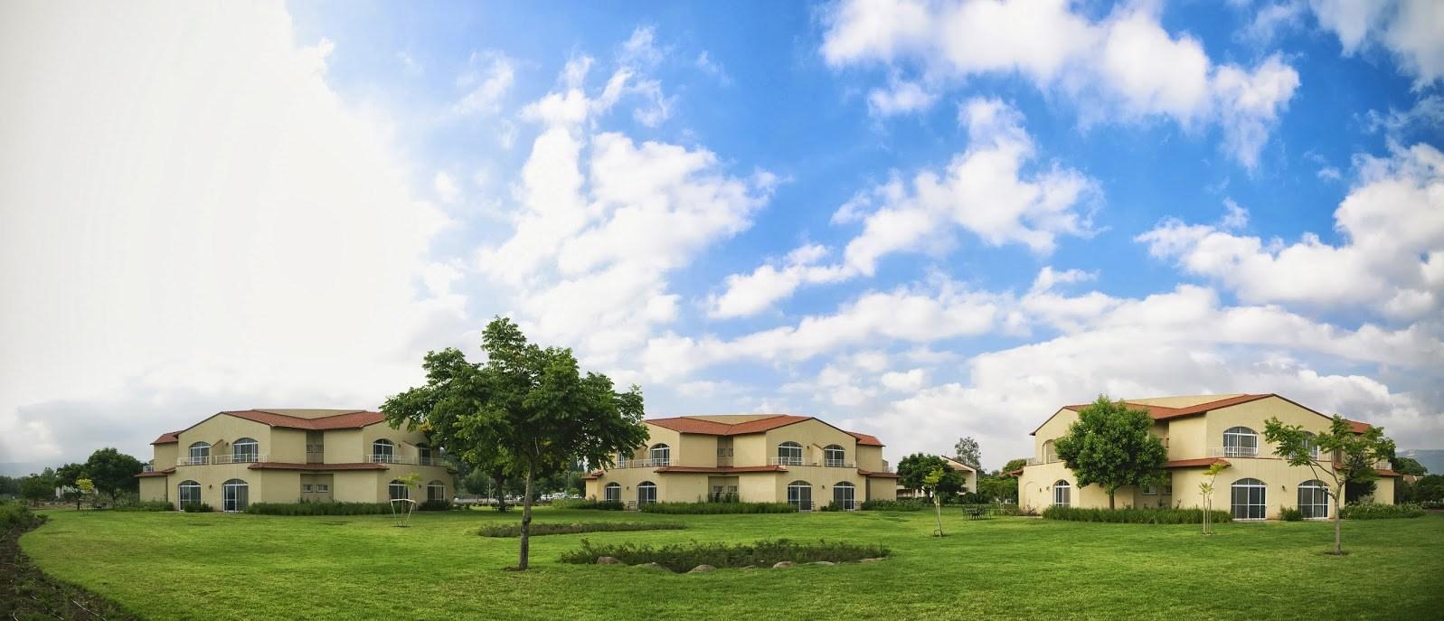 מלון פסטורל כפר בלום - נוף חיצוני שמיים