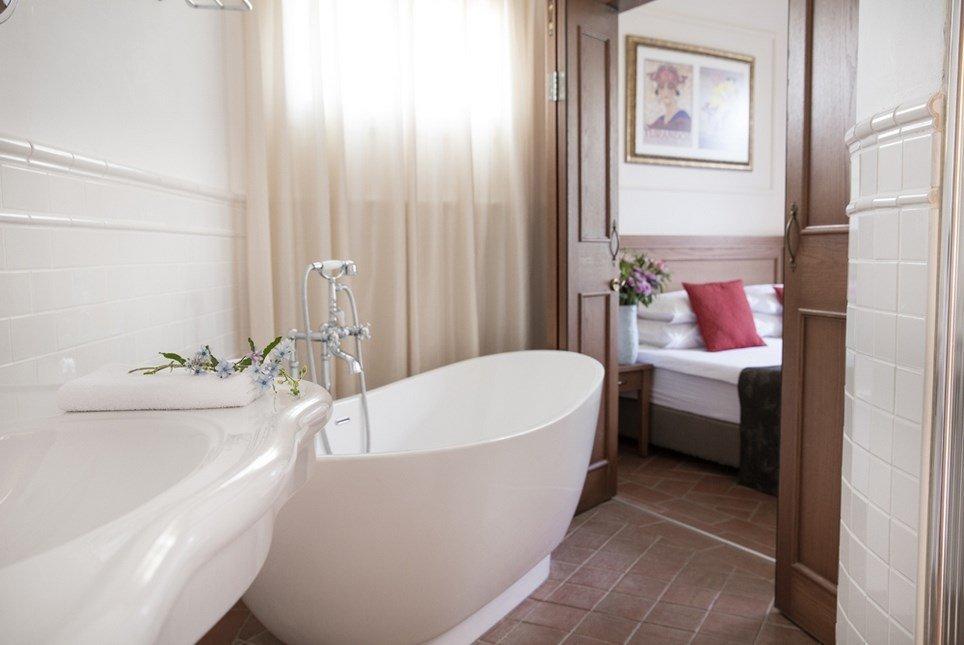 מלון פסטורל כפר בלום - חדרי הבוטיק אמבט